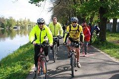 Postřižinského cyklootvíráku se zúčastnilo v roce 2015 třináct set lidí.