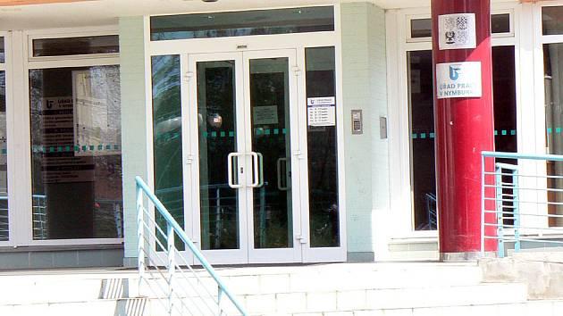 Stejně jak tomu bylo nedávno v Nymburce, tak i v Lysé získá úřad práce nové prostory.