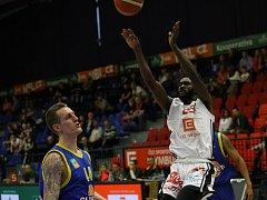 Z basketbalového utkání Nymburk - Ústí nad Labem (114:78)