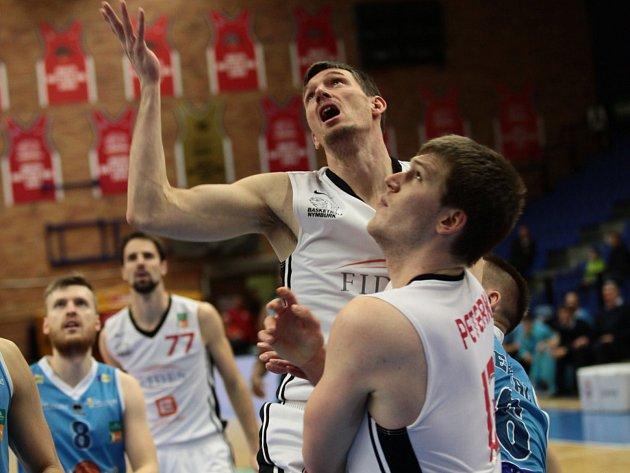 Basketbalisté Nymburka vyhráli doma nad Olomouckem.