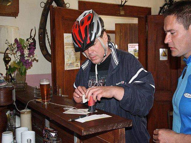 Cyklootvírák po Nymbursku absolvovalo přes 300 milovníků jízdy na kole