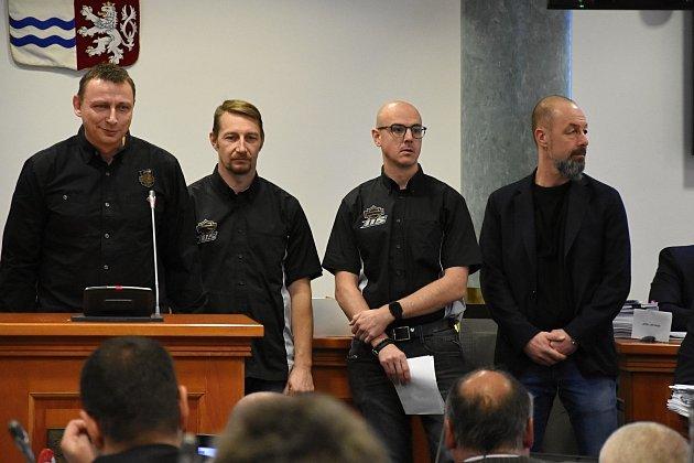 """Vysvětlit, že nežádají o příspěvek na """"motorkářský sraz"""", ale kraji nabízejí intenzivní komunikační kampaň k jeho propagaci, přišli na jednání zastupitelů zástupci pořadatelů chystaných oslav 115. výročí vzniku motocyklové značky Harley-Davidson."""