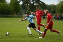 Fotbalové utkání mezi Sokolčí a Velimí se hrálo v neděli 30. května.