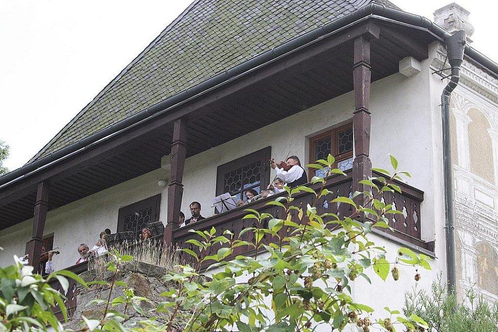 V Přerově nad Labem zažili dožínkovou  slavnost V zámku a podzámčí.