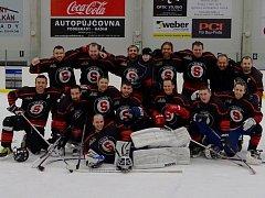 Vítězný tým Poděbradského Poháru Kocouři Svatbín