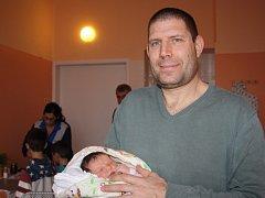 RAZ Z  IZRAELE. Raz AMIEL se narodila na Štědrý den 2015 v 10.26 hodin s mírami 3 590 g  49 cm. Táta Oren,  asistent kouče nymburských basketbalistů, maminka  Tagit a bráškové Bar (8) a Or (6) žijí v Poděbradech.