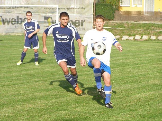 Z fotbalového utkání I.B třídy Poříčany - Libice (1:1)