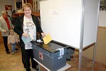 Kandidátka na senátorku Emílie Třísková volila ve Velkém Zboží
