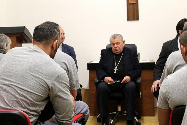 Kardinál Dominik Duka strávil dopoledne vjiřické věznici.