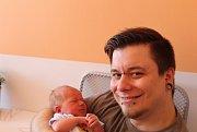 O MATÝSKOVI SE VĚDĚLO. MATYÁŠ LÍBAL se narodil 20. dubna 2017 v 18.42 hodin s mírami 3 270 g a 47 cm. Maminka Michaela a táta Josef si své první miminko  odvezli domů do Českého Brodu.