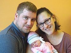 JULIE SYROVÁ se narodila 26. prosince 2017 v 8 hodin s výškou 51 cm a váhou 3 300 g. Z prvorozené se radují rodiče Karel a Eva ze Žabonos u Plaňan.