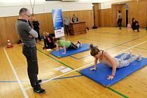 Studenti zemědělské školy si vyzkoušeli fyzické testy.