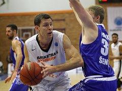 SLAVÍ POSTUP. Basketbalisté Nymburka zdolali na své palubovce Tajfun Šentjur a zajistili si postup ze skupiny