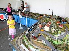 Zájemci si o víkendu mohli prohlédnout velké modelové kolejiště, které je k vidění v domě na výjezdu z Nymburka směrem na Drahelice.