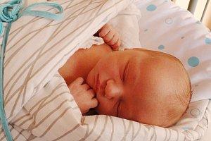 ANTONÍN JANDOUREK se narodil 11. února 2018 ve 20.04 hodin s výškou 50 cm a váhou 3 770 g. Z prvorozeného se radují rodiče Adéla a Antonín z Nymburka.