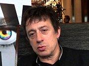 Eric Serra, hlavní hvězda letošního ročníku festivalu Soundtrack. Dvorní skladatel režiséra Luca Bessona.