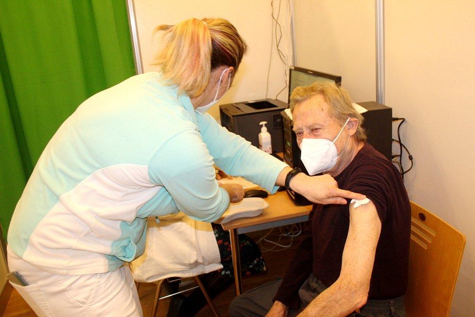 Očkovat se nechal i František Řehák z Lysé nad Labem.