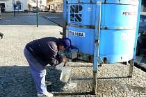 Na nymburském náměstí tekla pitná voda.