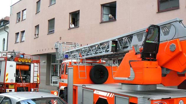 V Nymburce vyjížděli večer hasiči k planému poplachu