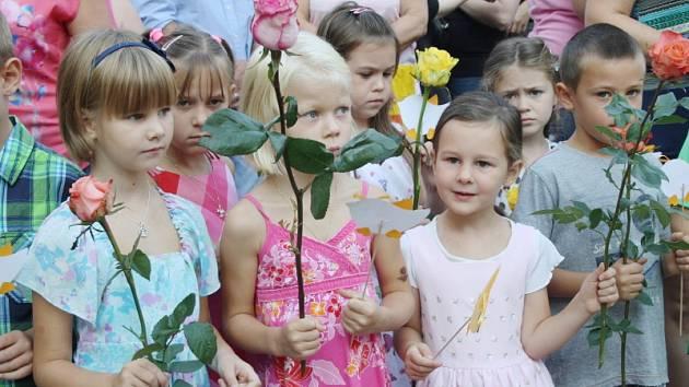 První den školního roku v Základní škole Tyršova v Nymburce.