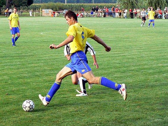 Josef Zemanec dal jediný gól Sokolče. Na bodový zisk to ale nestačilo.