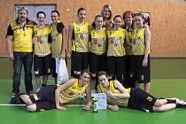 Mladé košíkářky Sadské braly v Ostravě zlato