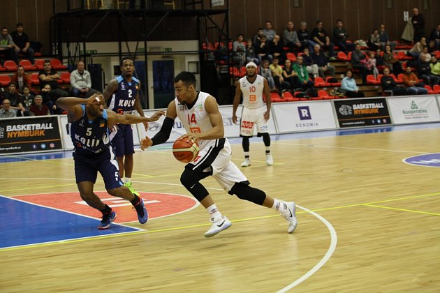 Zbasketbalového utkání Kooperativa NBL Nymburk - Kolín (90:57)