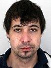 Martin Bendžák je 182 centimetrů vysoký, váží 72 kilogramů. Má hnědé krátké vlasy s kouty, bílou barvu pleti a hnědé oči.
