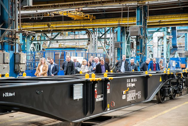 Ve firmě Legios Loco slavnostně spustily nové linky na výrobu vagónů.
