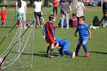 Z fotbalového turnaje předpřípravek na hřišti poděbradské Bohemie