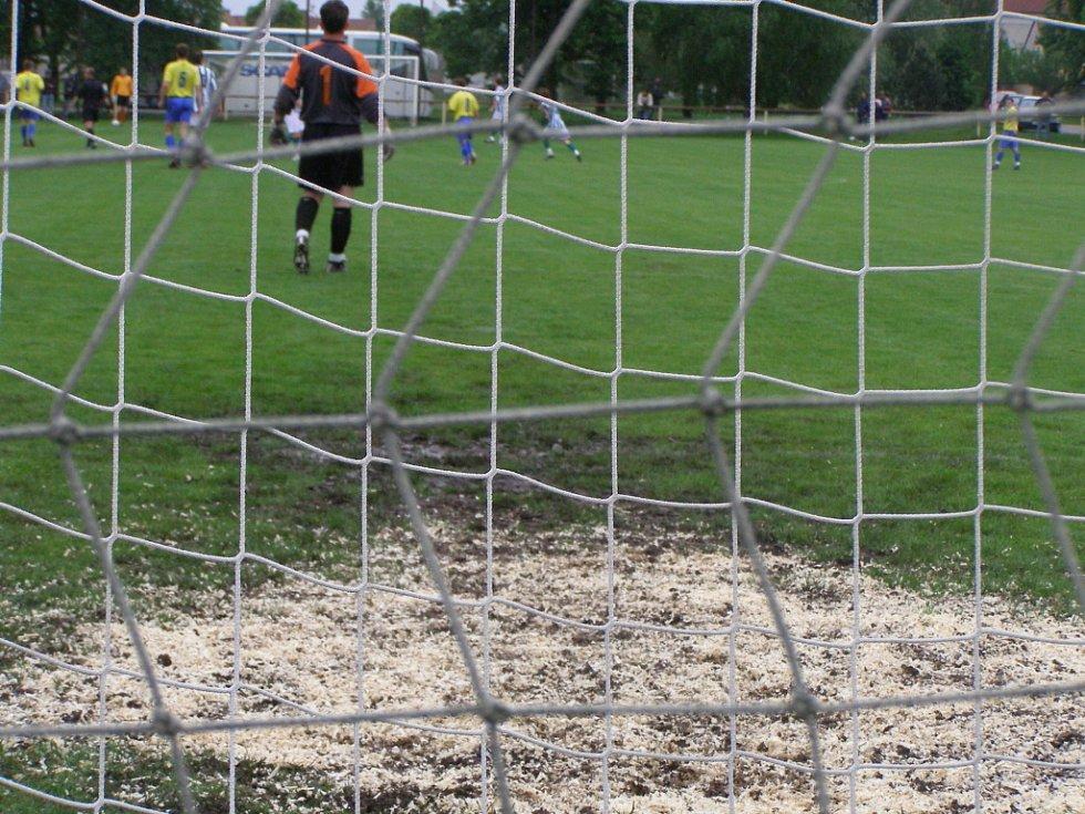 Z utkání I.A třídy Sokoleč - Kutná Hora (1:1)