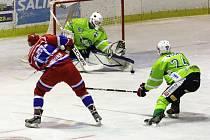 Z hokejového utkání druhé ligy Nymburk - Trutnov (4:2)