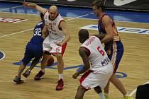 Z basketbalového utkání VTB ligy Nymburk - Minsk (79:65)