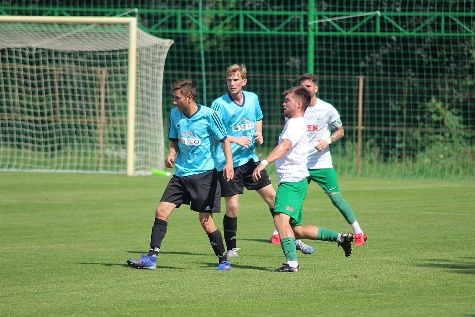 Z přípravného fotbalového utkání Polaban Nymburk - Luštěnice (4:0)