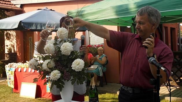 Ve slovečském zahradnictví manželů Brzákových se konaly tradiční Jiřinkové dny.