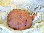 JAKUB BARTONÍK se narodil 3. února 2018 ve 14.19 hodin s výškou 47 cm a váhou 3 020 g. Z prvorozeného se radují rodiče Jiří a Lucie z Dymokur, kteří se na chlapečka dopředu těšili.