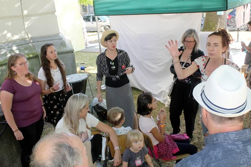 Z prvního ročníku pouličního festivalu Múzy na Valech.