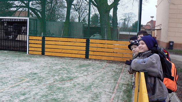Škola v Sadské má i perfektní sportovní zázemí.