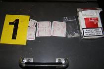 Tablety nalezené při domovní prohlídce