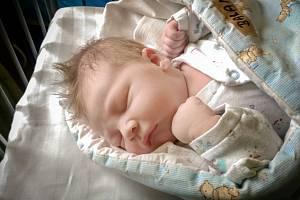 OLIVER BALAN se narodil 14. března 2019ve 12.14 hodin, vážil 3 980g a měřil 52 cm. Maminka Jitka a tatínek Oleg si svého očekávaného prvorozeného syna odvezli do Sadské.
