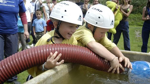 Největší ohlas mezi diváky i ostatními soutěžícími však měl tým dětí z Jíkve, kterým bylo od tří do šesti let.