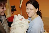 PRVNÍM MIMINKEM ROKU 2016 na Nymbursku je Matyášek Beneš. Šťastná maminka Pavlína  Chládková ho přivedla na svět 1. ledna přesně v 6 hodin ráno. Do nymburské porodnice za maminkou přišla senátorka Emilie Třísková a jednatelka nemocnice Alena Havelková.