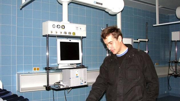 Při posledním dnu otevřených dveří v nymburské nemocnici se návštěvníci seznámili s vybavením nového pavilonu