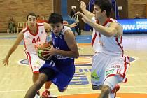 JDOU DO BOJE. Basketbalová Mattoni NBL finišuje, na řadu přicházejí boje v play off. Nymburk se při cestě za další obhajobou titulu postaví v prvním kole týmu USK Praha
