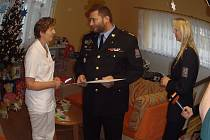 Policisté z Územního odboru Praha venkov – východ zahájili 19. března 2016 první ročník sbírky na podporu Dětského centra pro děti do tří let, které spadá pod Klaudiánovu nemocnici v Mladé Boleslavi.