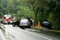 Srážka BMW se Škodou těsně za cedulí Nymburka