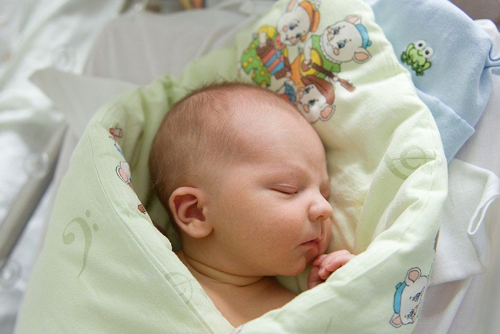 Patrik Zemčák se narodil v nymburské porodnici 25. března 2021 v 15.44 hodin s váhou 3280 g a mírou 50 cm. Prvorozený chlapeček bude vyrůstat v Poděbradech s maminkou Anetou a tatínkem Romanem.