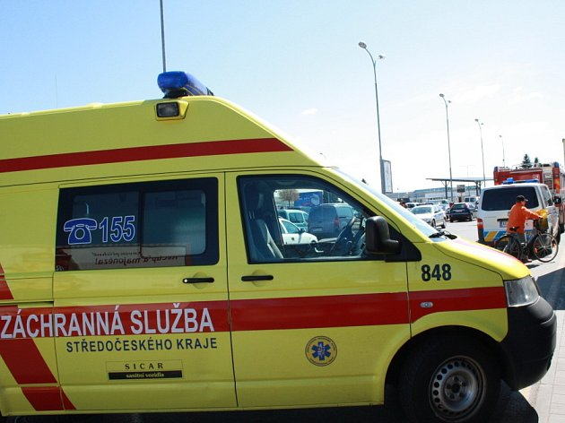 Na místo neštěstí přijeli záchranáři, policisté i hasiči.