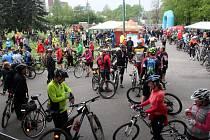 Cyklootvírák jelo na dva tisíce lidí.