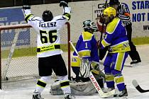 KONEC. Hokejisté Nymburka vypadli v prvním kole play off. Nestačili na celek Moravských Budějovic, se kterým prohráli dva tři na zápasy